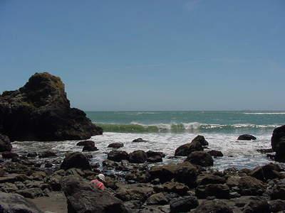 Rocks_muir_beach_w_eliz